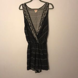 Mossimo black patterned romper